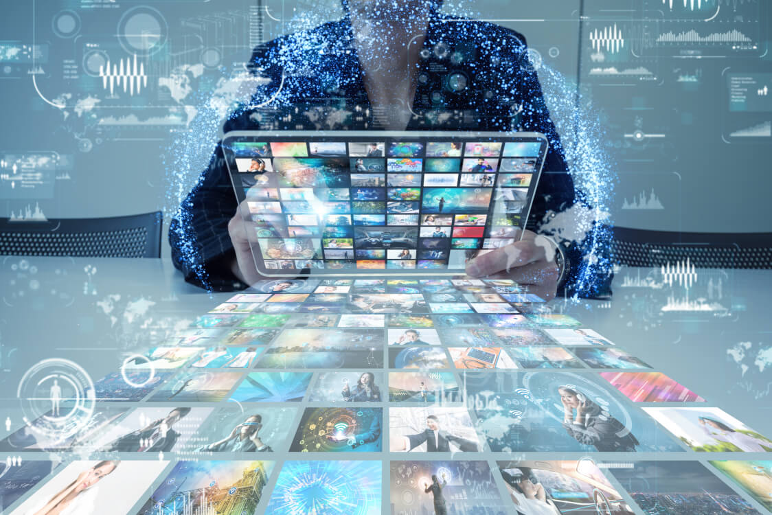 キュレーションとは、インターネット 上にある情報を選定し、公開するという意味の言葉