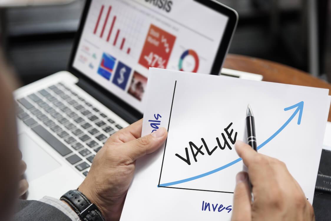 長期での利益をバリュー投資で狙う