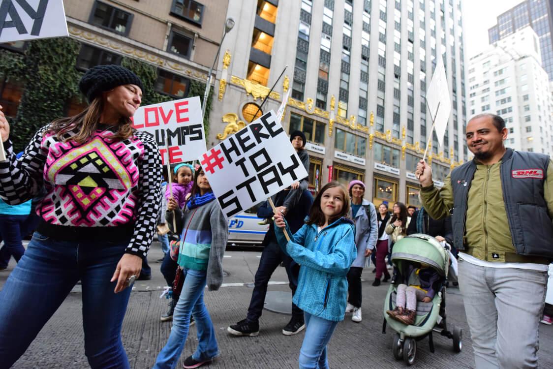 移民を求める人々の行進