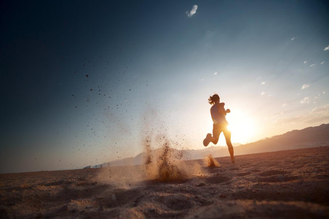 塵も積もれば山となると信じて努力する