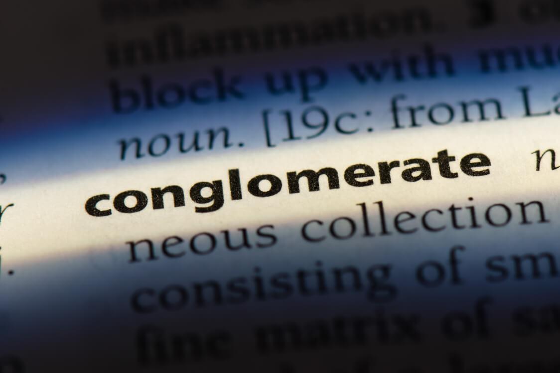 コングロマリットとは多種類の事業を抱えている大企業・複合企業の事を指します
