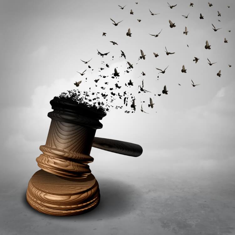 裁判で恩赦を受ける