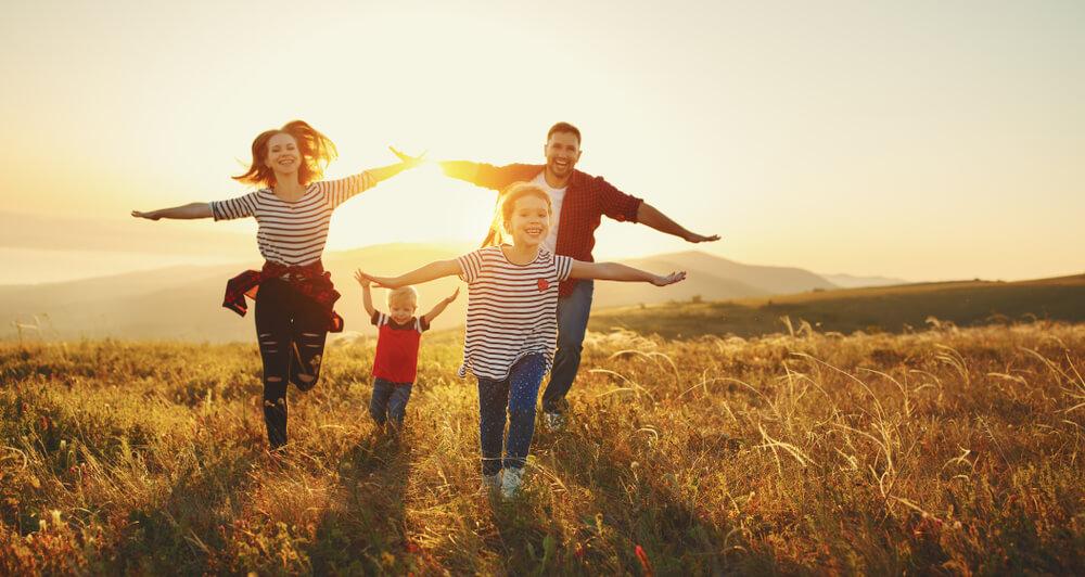シルバーウィークに旅行する家族