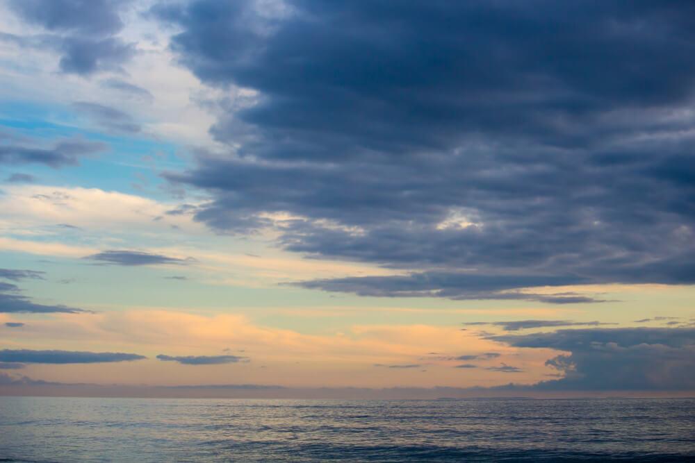 雨過天晴の後に見える美しい空模様