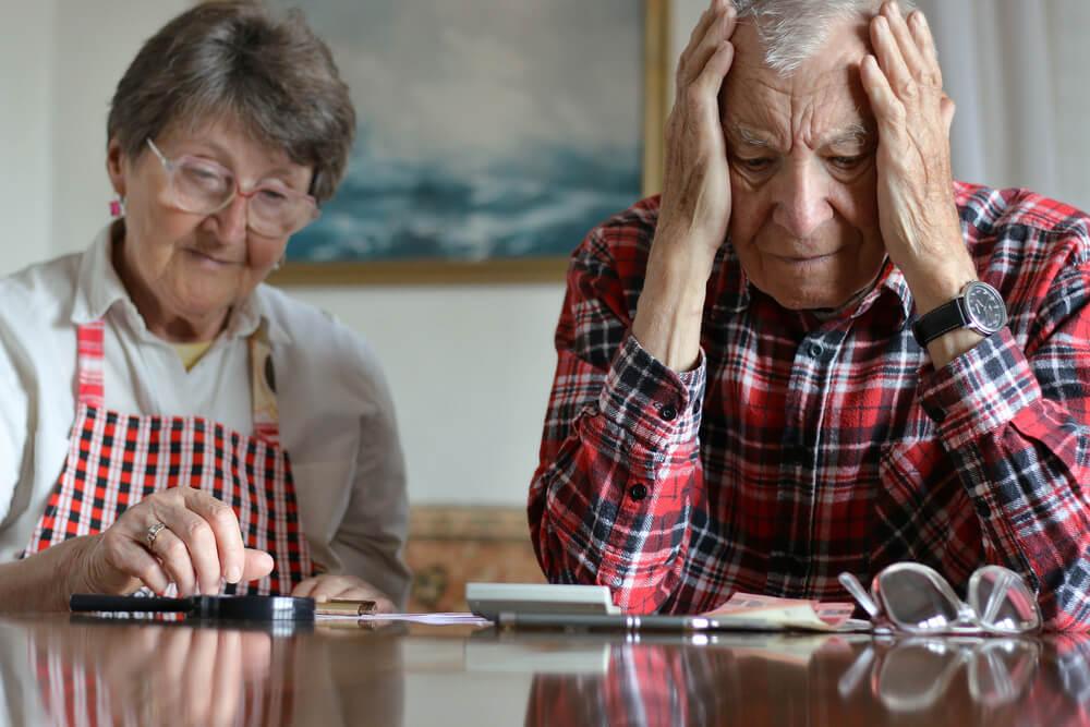 ジリ貧に追い込まれる夫婦