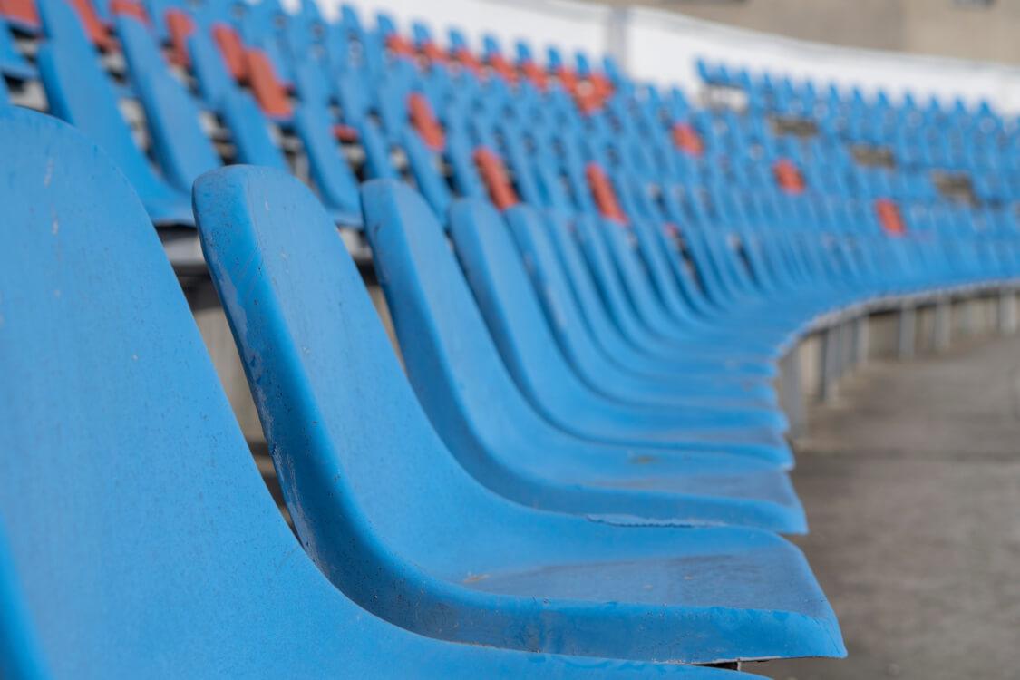 無観客によって空席が生まれる様子