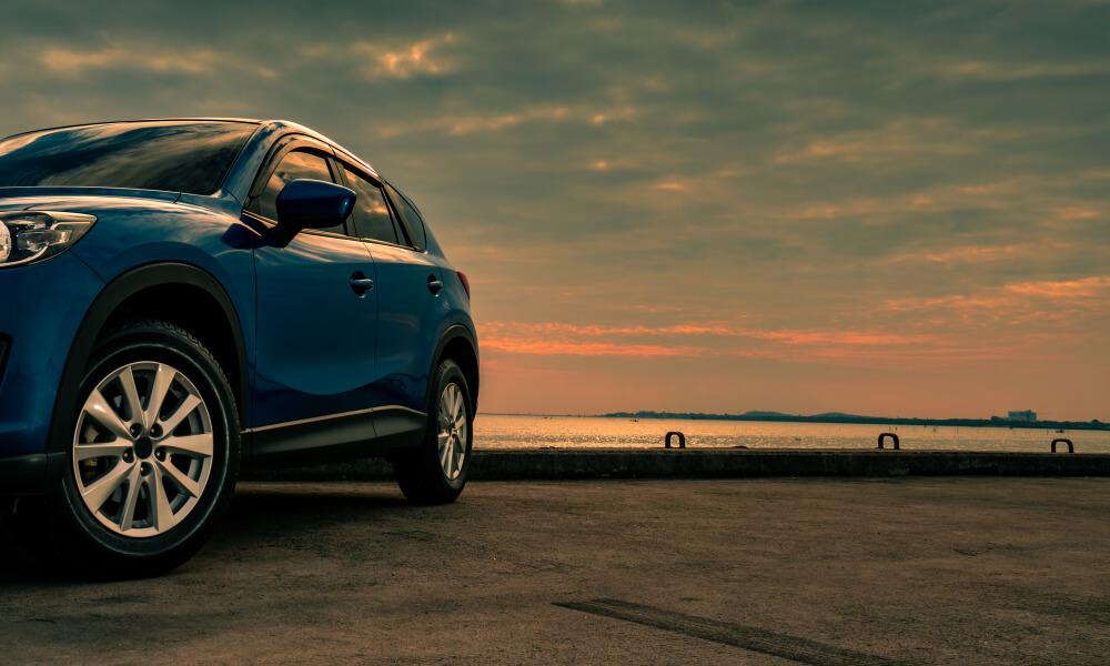 EV車と夕焼け