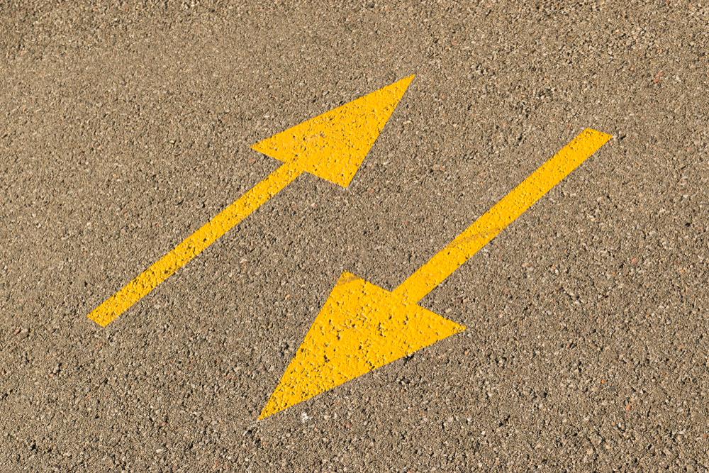 ダブルバインドを表す矛盾した矢印