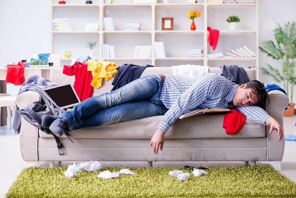 怠惰な生活をしている男性