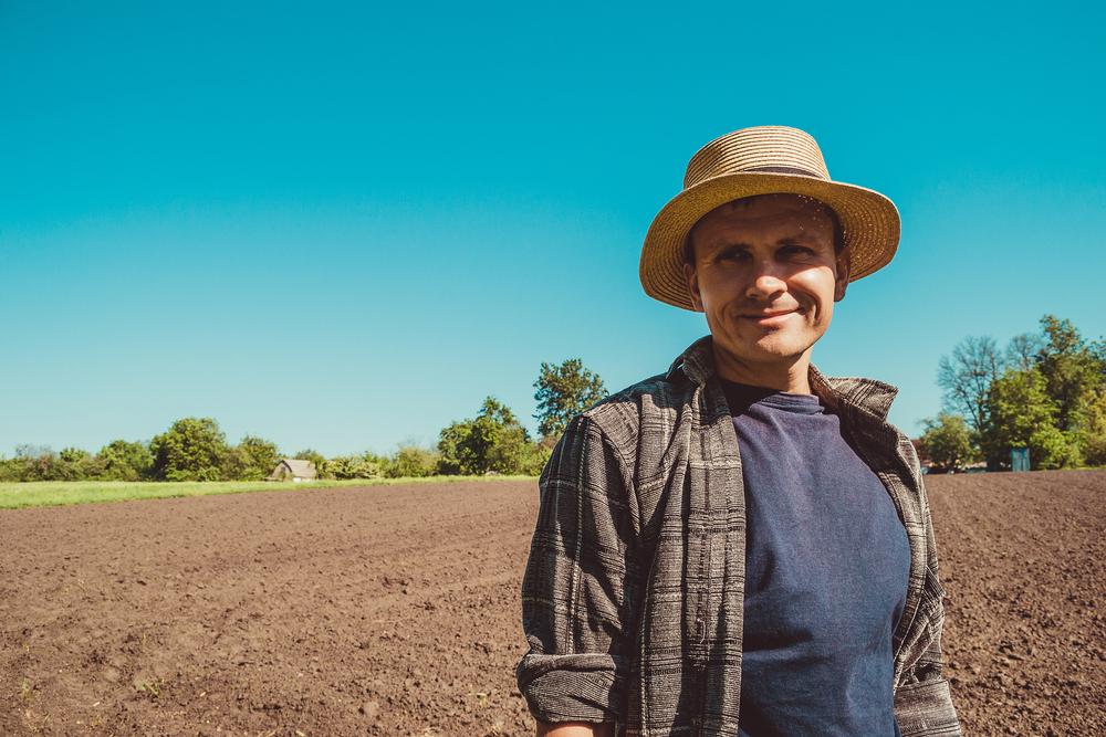 田夫の功で農場を手にした男性