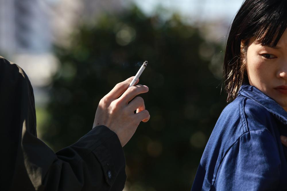 歩きたばこは道徳に悖る行為である