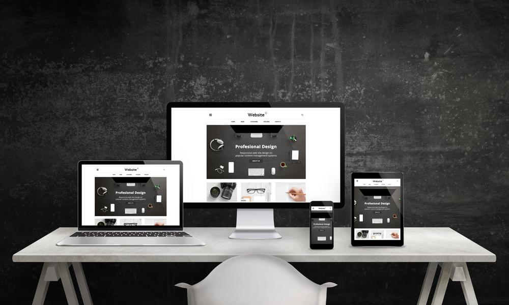 レスポンシブデザインによってどのデバイスでも見やすい画面。